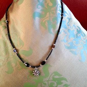 Jewelry - Daisy necklace